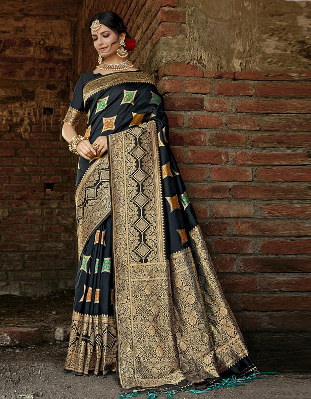 Black Banarasi Saree With Blouse SD24169